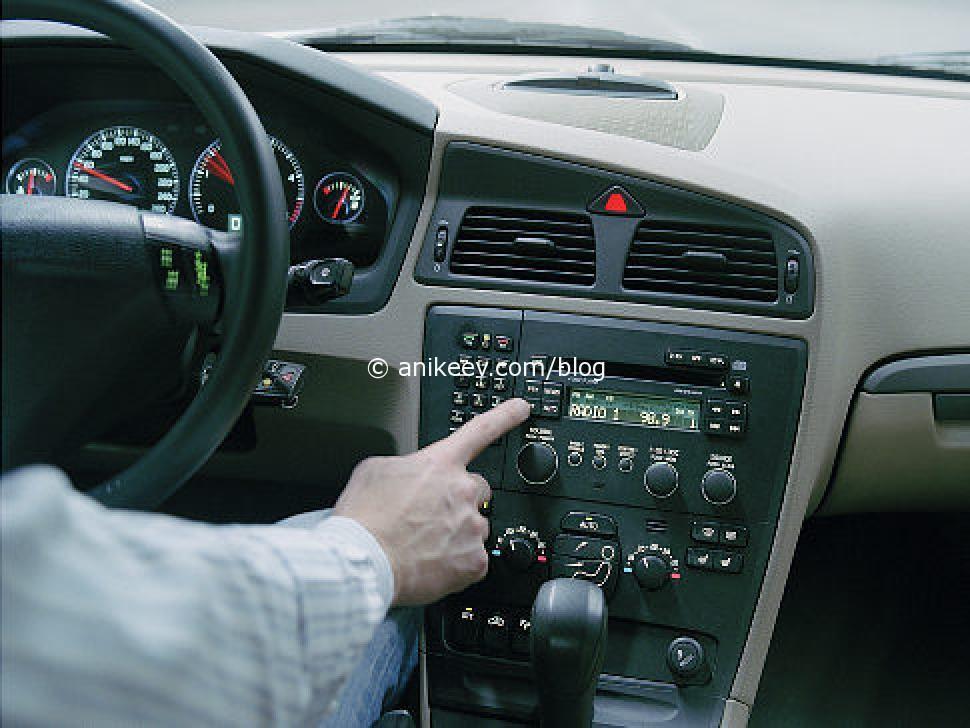 car-radio-jpg